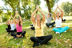 Openlucht yoga royalty-vrije stock fotografie