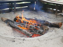 Openluchtbrandkuil in Ramsar, Iran Stock Foto