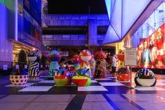 Openluchtdecoratie tussen Siam Center en Siam Discovery, twee F Stock Afbeelding
