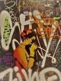 Openluchtkunst en graffitis in een straat van Barcelona, Spanje stock foto's