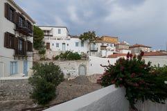 Openluchtterras bij Hydra-eiland, Argosaronikos stock afbeelding