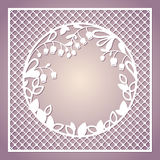 Openwork fyrkantigt kort med liljekonvaljer Bitande te för laser royaltyfri illustrationer
