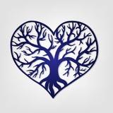 Openwork Herz mit einem Baum nach innen Laser-Schneideschablone Lizenzfreie Stockfotos