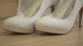 Openwork schoenen stock footage