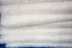 Openwork van de donsachtige sjaal van Orenburg Stock Foto