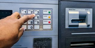 Operação bancária do ATM Fotos de Stock