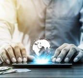 Operação bancária em linha da rede da tecnologia e Internet banking e netwo imagem de stock
