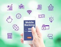 Operação bancária móvel, mão que guardam móvel com relação do início de uma sessão e ícone imagens de stock