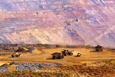 Operação de descarga do minério esgotado Imagens de Stock