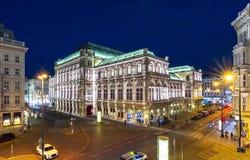 Opera dello stato di Vienna alla notte, Austria fotografia stock