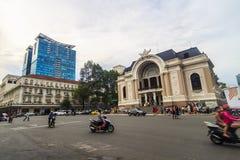 OPERA przy Dong Khoi ulicą w centrum miasto Saigon SAIGON WIETNAM, MAJ - 31, 2016 - Ja ` s Jeden Ho Chi Minh Zdjęcia Stock