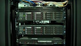 Operación del equipo para la transmisión de la señal de la televisión digital almacen de metraje de vídeo