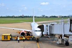 Operaciones del envío en el aeropuerto de Vietnam Saigon Imagen de archivo libre de regalías