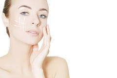 Operacj oceny na twarzy piękna kobieta Zdjęcia Royalty Free