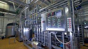 Operacyjna kontrolna deska przy przemysłową rośliną 4K zdjęcie wideo