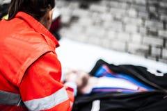 Operador de la emergencia en la acción Foto de archivo