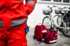 Operador de la emergencia en la acción Foto de archivo libre de regalías