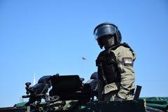 Operador de la unidad antiterrorista especial servia Imagenes de archivo