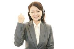 Operador de sorriso do centro de chamadas Imagens de Stock Royalty Free