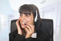 Operador del teléfono de la ayuda de la mujer Foto de archivo libre de regalías