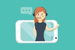 Operador fêmea de sorriso com os auriculares que falam da tela de um telefone esperto Foto de Stock Royalty Free
