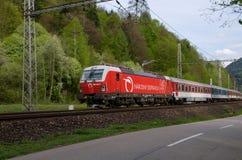 Operador nacional de estradas de ferro eslovacas - Siemens locomotivo imagem de stock royalty free
