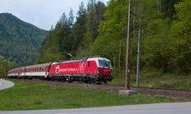Operador nacional de estradas de ferro eslovacas - Siemens locomotivo fotos de stock royalty free
