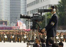Operadores cinematográficos da Coreia do Norte na parada militar Foto de Stock Royalty Free