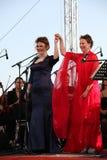 Operaduo - zanger Alina Shakirova, Rusland, mezzodiscant, en Daniela Schillaci, La-scala, Italië, discant, op het open stadium Stock Afbeeldingen