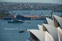 Operahuis en marinevloot. Stock Foto