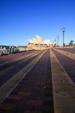 SYDNEY NSW/AUSTRALIA-APRIL 27: Operahuset är landmarken av den Sydney staden. arkivbilder