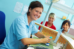 Operai dentali sorridenti Immagini Stock Libere da Diritti