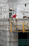 operaio della saldatura della costruzione Fotografia Stock