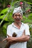 Operaio indonesiano con il foulard, Bali Fotografie Stock Libere da Diritti