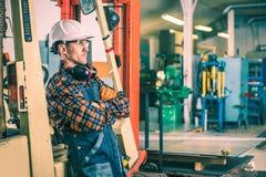 Operatore soddisfatto del carrello elevatore Fotografia Stock