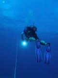 Operatore subacqueo all'arresto di sicurezza fotografia stock