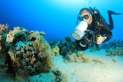 Operatore subacqueo di scuba con la macchina fotografica Immagine Stock Libera da Diritti