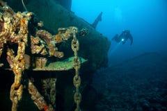 Operatore subacqueo e naufragio fotografia stock libera da diritti