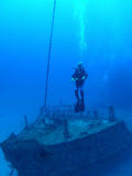 Operatore subacqueo sul naufragio Fotografia Stock