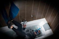 Operatore subacqueo in un'immersione bizzarra Immagini Stock