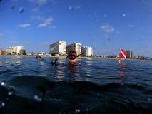 Operatori subacquei in superficie Fotografia Stock Libera da Diritti
