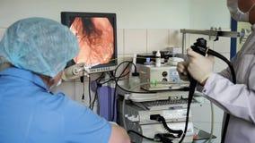 Operazione endoscopica in ospedale stock footage