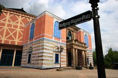 Opernhaus Bayreuth im Mai 2013 - Wolfgang Wagner Place Lizenzfreies Stockfoto