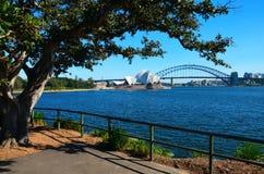 Opernhaus-und Hafen-Brücke stockbilder