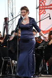 Opery aktorka Alina Shakirova i piosenkarz, mezzo dyszkant na otwartej scenie, (Rosja) Zdjęcia Royalty Free