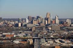 Opgeheven Dagweergeven de Horizon van van Cincinnati, Ohio, de V.S. op een de Winterdag stock afbeeldingen