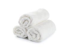 Opgerolde witte strandhanddoek royalty-vrije stock afbeeldingen