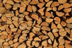 Opgestapeld brandhout, houten textuur Stock Foto's