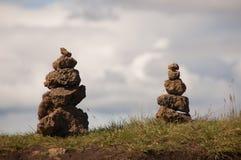 2 opgestapelde rotsen Stock Afbeelding