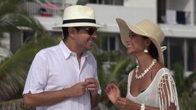 Opgewekt Toeristenpaar stock videobeelden